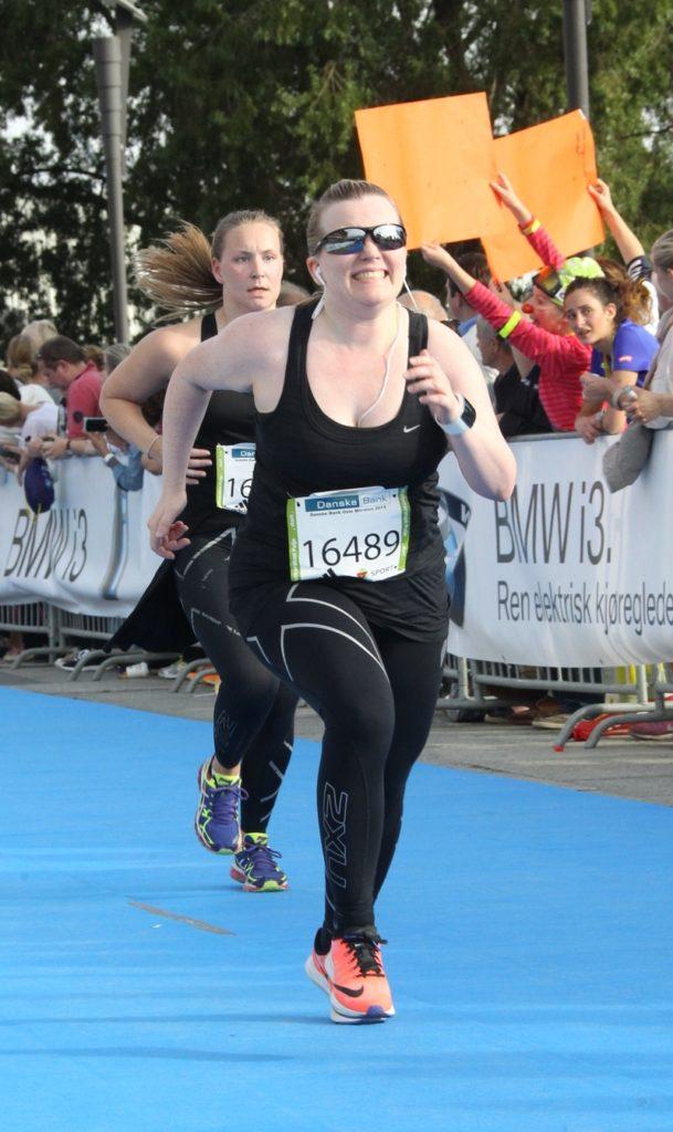 Marie Moe running a half-marathon